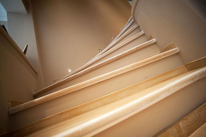 005-archimedebozzo-pavimenti-in-legno-parquet-quercia-bottata-114