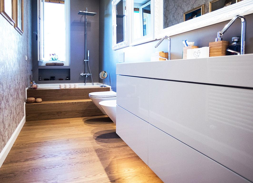 007-archimedebozzo-pavimenti-in-legno-parquet-quercia-spazzolata-venature-bagno-24